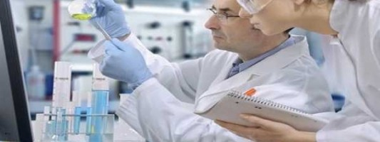 4.000 Έλληνες σε κλινικές μελέτες