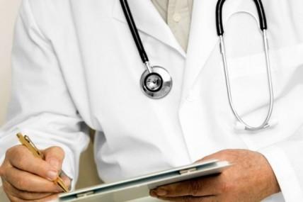 ΕΟΠΥΥ: Περικοπές στις αποζημιώσεις 400 γιατρών