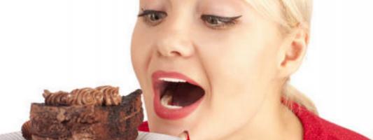 Ορμόνη από το ήπαρ βάζει φρένο στην επιθυμία για γλυκό