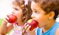 Διανομή φρούτων στα σχολεία
