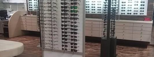 Μόνο 2 στους 10 αγοράζουν γυαλιά ηλίου από καταστήματα οπτικών