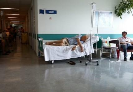 140 ράντζα στο νοσοκομείο «Αττικόν»