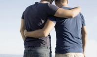 Gay και bi με περισσότερα ψυχολογικά από τους straight