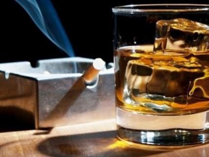 Κάπνισμα και αλκοόλ ευθύνονται για πρόωρα σημάδια γήρανσης