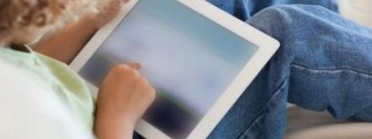 Η τεχνολογία επηρεάζει τη μυοσκελετική ανάπτυξη των παιδιών;