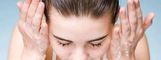 Πώς να προστατέψετε το πρόσωπό σας το καλοκαίρι
