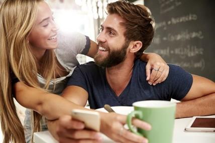 Οι γυναίκες προτιμούν τους άνδρες με κανονικό μούσι;
