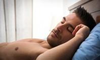 O λίγος αλλά και ο πολύς ύπνος των ανδρών συνδέεται με υπογονιμότητα