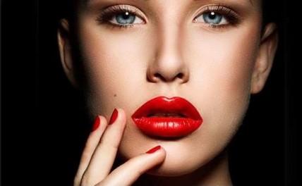 Πώς μπορείτε να αποκτήσετε τα τέλεια χείλη;