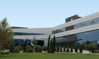 Bayer: Δωρεά πληροφοριακού εξοπλισμού για την εκπαίδευση μαθητών