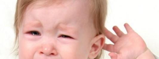Πόνος στο αυτί του παιδιού: Αίτια και αντιμετώπιση