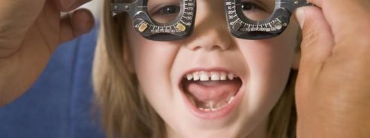 Οφθαλμολογικός έλεγχος: Aπαραίτητος στα παιδιά πριν αρχίσει το σχολείο
