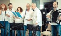 H Pfizer Band κοντά στους ηλικιωμένους συνανθρώπους μας στην Καλαμάτα