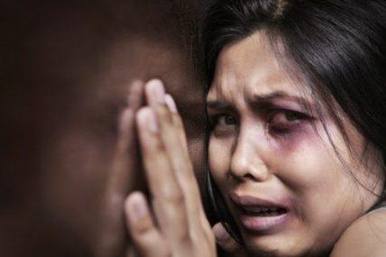 Αύξηση των περιστατικών βίας κατά των γυναικών στις γιορτές!