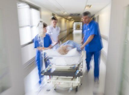 Υπουργείο Υγείας: Δεν ακυρώνεται ο διαγωνισμός για τις προσλήψεις 208 γιατρών στα ΤΕΠ!