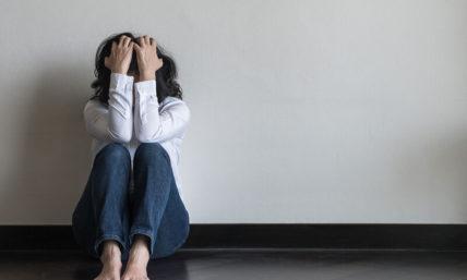 Εποχιακή συναισθηματική διαταραχή: Αιτίες που την προκαλούν και πως να την αντιμετωπίσετε