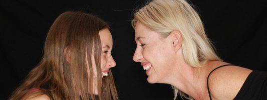 Όλα όσα πρέπει να γνωρίζουν μαμά και κόρη για την εφηβική γυναικολογία