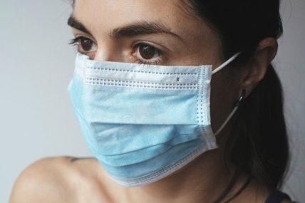 Κορoνοϊός: Διαφανείς μάσκες ζητούν οι κωφοί και βαρήκοοι πολίτες