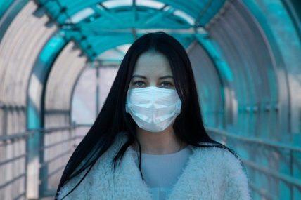 Κορoνοϊός: 2.512 κρούσματα – 52 θάνατοι – 546 διασωληνωμένοι