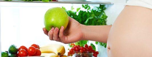 Πόσο ανησυχητικές είναι οι διατροφικές «παρασπονδίες» της εγκύου;