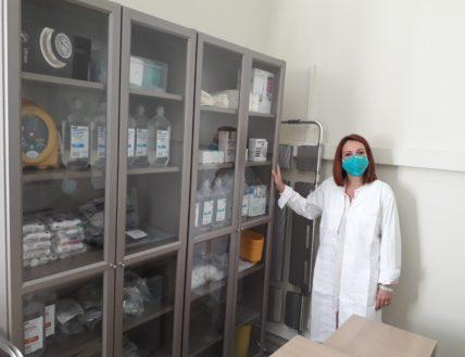 Δωρεά ιατρικού εξοπλισμού και φαρμάκων στα κοινωνικά ιατρεία για τους άπορους και τους άστεγους του Δήμου Αθηναίων από την ΠΕΦ