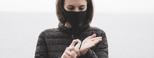 Κορoνοϊός: Ποιες νέες συνήθειες προστατεύουν από τις δερματικές λοιμώξεις;