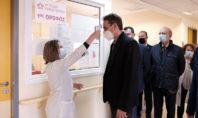 Στο ΚΑΤ ο Μητσοτάκης για τα εγκαίνια 30 νέων κλινών ΜΕΘ