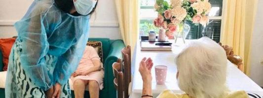 Ετών 117 η γηραιότερη γυναίκα που εμβολιάστηκε στην Ελλάδα!