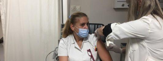 Κικίλιας: Ζήτησε την παραίτηση του διοικητή του νοσοκομείου Καρδίτσας για έγγραφο συναίνεσης εμβολίου