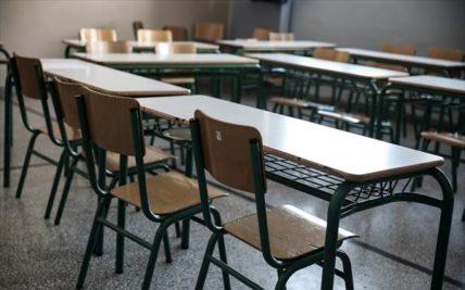 Ανοικτά σχολεία και θνησιμότητα λόγω COVID-19 σε μαθητές και δασκάλους στη Σουηδία