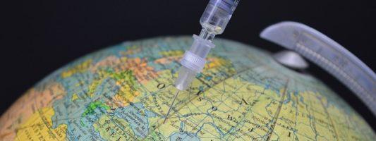 ΈΚΠΑ: Τα εμβόλια δεν αλλάζουν το DNA